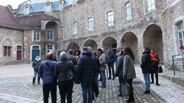 Visite générale de la ville fortifiée