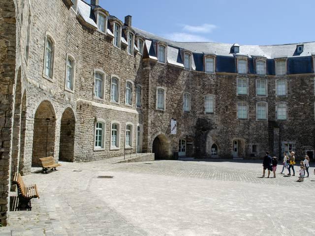 Le château comtal : le monument